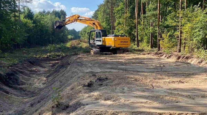 У Жовківському лісгоспі почали будувати лісову дорогу
